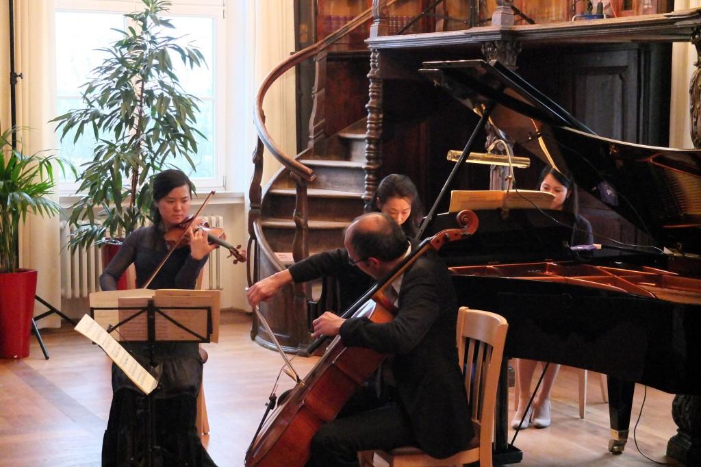 Kumiko Yamauchi, Violine und Franz Lichtenstern, Violoncello